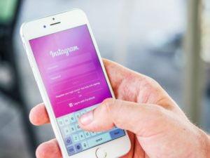 Solicitantes terão que fornecer nomes de usuário nas redes sociais para green card e visto